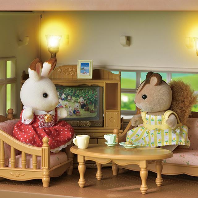 「赤い屋根のお家」は電気がつくよ!
