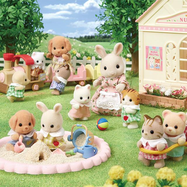 今日はぽかぽか春の陽気。お外でたのしくあそぼう!