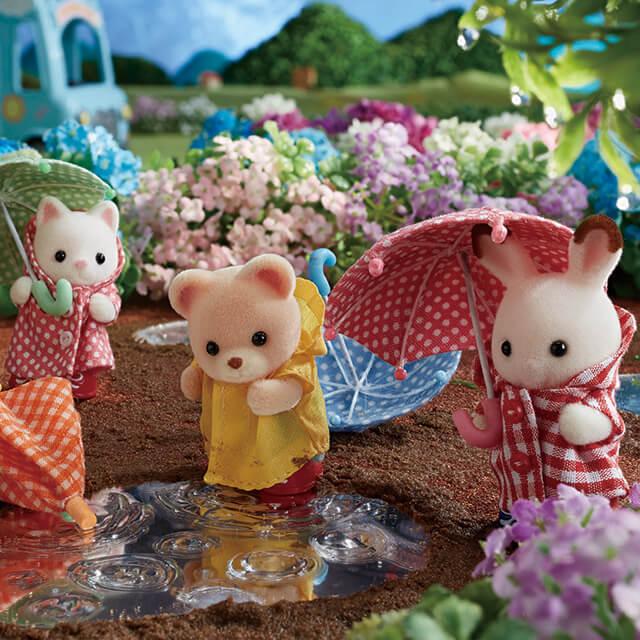 シルバニアファミリーの赤ちゃんたちの雨の日のおさんぽ