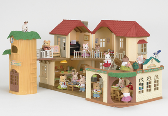 http://cdn2.sylvanianfamilies.net/includes_gl/img/catalog/connect/sylvanian/akari_school.jpg
