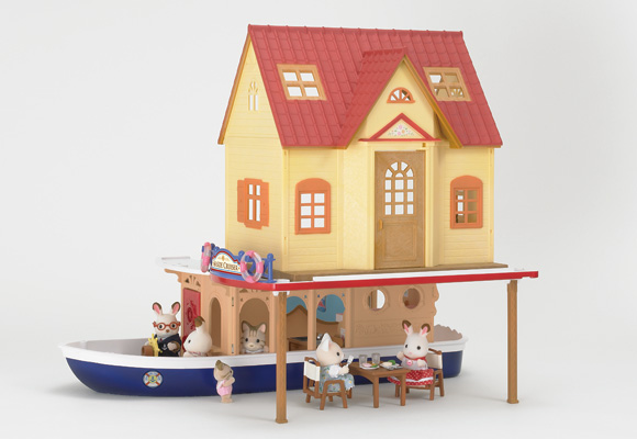http://cdn-org.sylvanianfamilies.net/includes_gl/img/catalog/connect/sylvanian/hazimete_cruiseboat.jpg