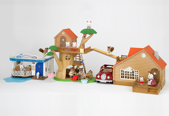 http://cdn2.sylvanianfamilies.net/includes_gl/img/catalog/connect/sylvanian/restaurant_cottage_treehouse.jpg
