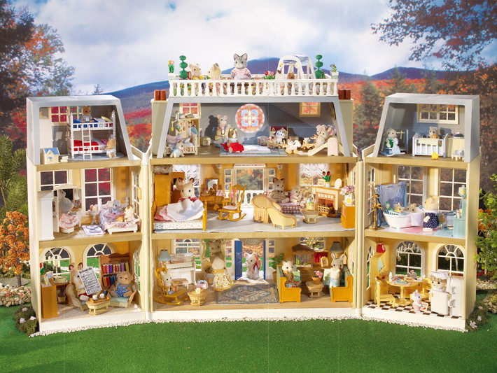 Calico Critters House With Furniture