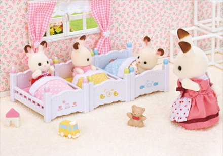 赤ちゃん三段ベッド - 1