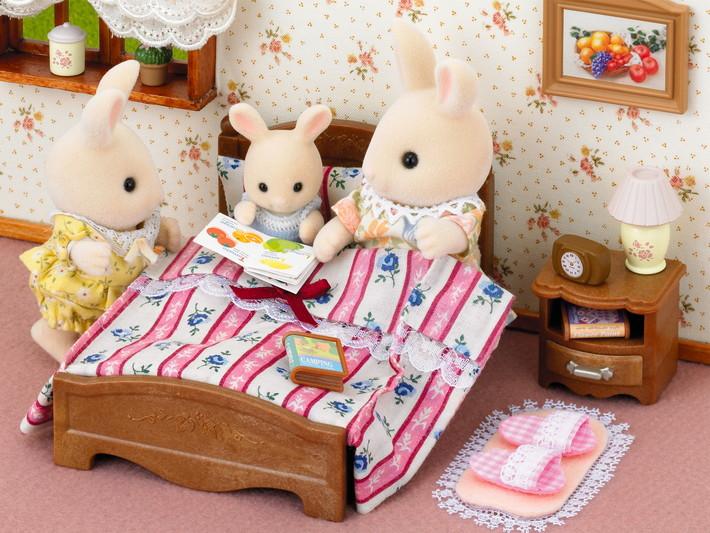 semi double bed sylvanian families. Black Bedroom Furniture Sets. Home Design Ideas