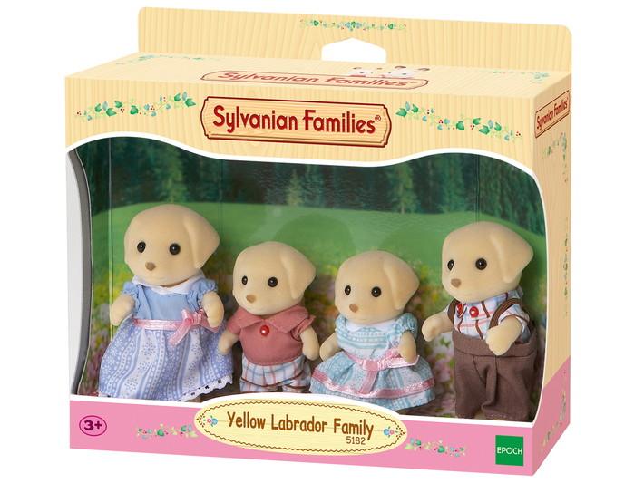 Yellow Labrador Family - 4