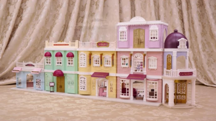 Connect and have Fun!Sylvanian Families Town Series