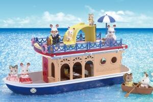 大きな海のクルーズボート